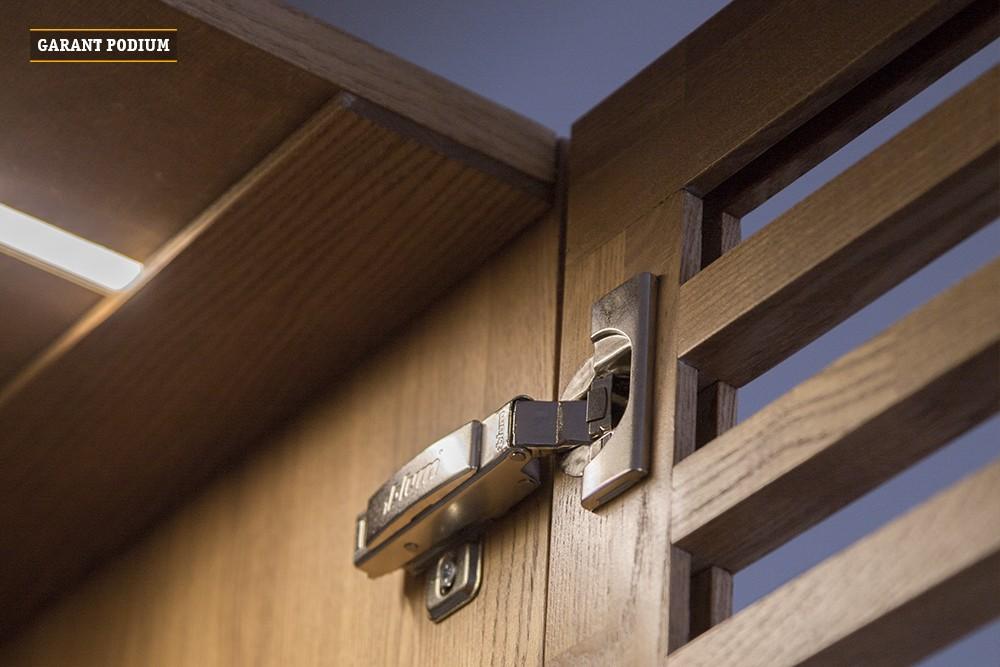 Подиум-кровать со шкафом и выкатными ящиками